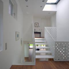 cloud2:  Flur & Diele von smo architektur