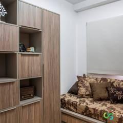 Apartamento Rústico Sofisticado: Escritórios  por Camarina Studio