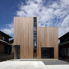 Casas de madera de estilo  por 半谷彰英建築設計事務所/Akihide Hanya Architect & Associates