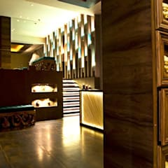 Mudraa Spa- Nariman Point:  Commercial Spaces by Fourth Axis Designs