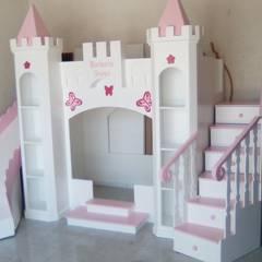Muebles y literas infantiles: Recámaras para niñas de estilo  por Camas infantiles the Woodpecker