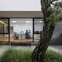 로우에너지하우스, GESTALT HEILEN: MMKM associates의  서재 & 사무실