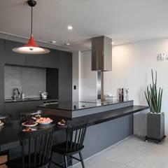 40평대 아파트 인테리어 모아보기: 홍예디자인의  주방,모던