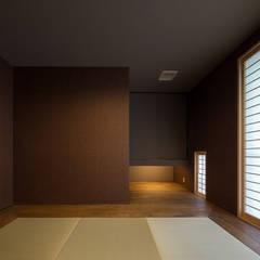N10-house 「展望テラスのある家」: Architect Show co.,Ltdが手掛けた和室です。