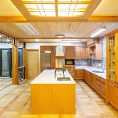 전주 삼천동 중목구조주택 (100py): 한다움건설의  주방