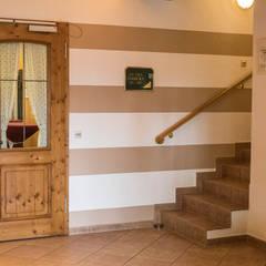 Neue Inneneinrichtung für einen Landgasthof :  Hotels von Stilschmiede - Berlin - Interior Design
