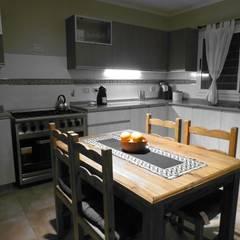 Cocina, Casa del Rio de MOBILFE Escandinavo