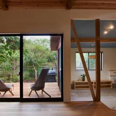 Ichinomiya_house: tai_tai STUDIOが手掛けた窓です。,ラスティック 木 木目調