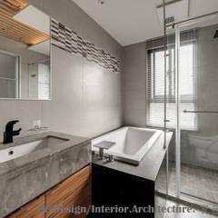 宜蘭市筊白一路別墅案:  浴室 by Hi+Design/Interior.Architecture. 寰邑空間設計,