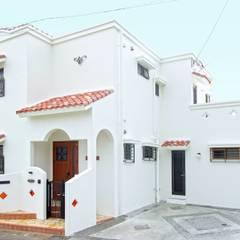 駐車場側外観: 株式会社青空設計が手掛けた家です。