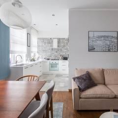 55m2 mieszkanie : styl , w kategorii Aneks kuchenny zaprojektowany przez Grant Studio,