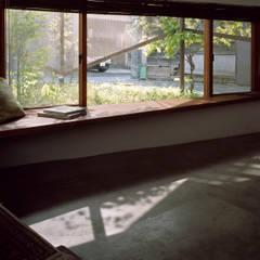e-house: 福島加津也+冨永祥子建築設計事務所が手掛けたサンルームです。