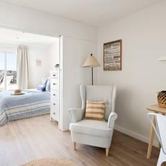 Bedroom by Nice home barcelona,