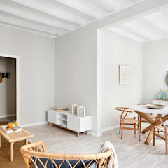 Living room by Nice home barcelona, Mediterranean