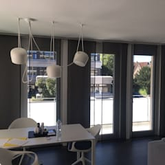 Flächenvorhang Schiebegardine: minimalistische Esszimmer von Bleher Raumdesign & Handwerk