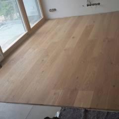 Parkettboden Echtholzdiele:  Arbeitszimmer von Bleher Raumdesign & Handwerk
