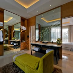 Residence at Pune:  Dressing room by Racheta Interiors Pvt Limited