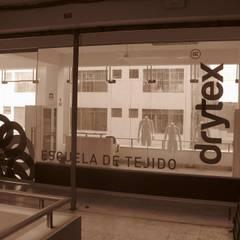 Drytex: Espacios comerciales de estilo  por Arquitotal SAC