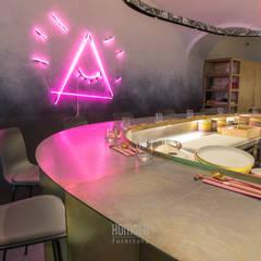 iasai:  Bars & Clubs von Homola furniture s.r.o