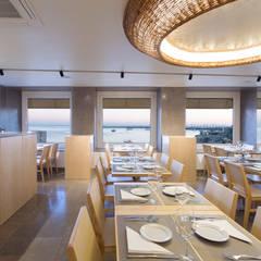 Sala: Espaços de restauração  por BL Design Arquitectura e Interiores