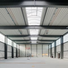 industrial Garage/shed by pauly + fichter planungsgesellschaft mbH