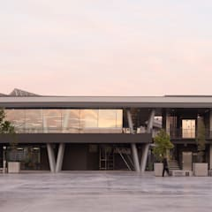 Car Dealerships by Bschneider Arquitectos e Ingenieros