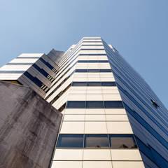 Edificio Ex-Shell de Bschneider Arquitectos e Ingenieros Moderno