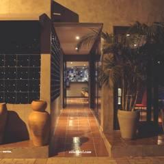 Acesso Principal: Hotéis  por Eduardo e Marianna Arquitetura