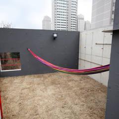SAI_190  [바람이 불어오는 집]: yoonzip interior architecture의  정원