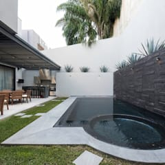 Garden Pool by Rousseau Arquitectos