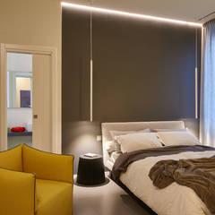 Alloggio A al mare: Camera da letto in stile  di ArchiDesign LAB