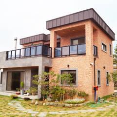 Buitenhuis door W-HOUSE