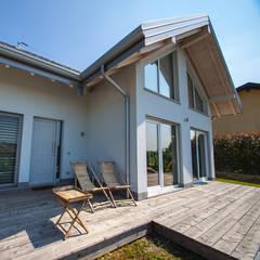 Casas prefabricadas de estilo  por Novello Case in Legno