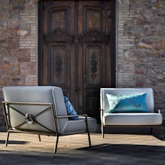 Lucio XL armchair: modern  by S. T. Unicom Pvt. Ltd. ,Modern