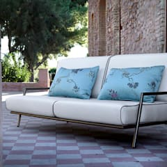 Lucio sofa: modern  by S. T. Unicom Pvt. Ltd. ,Modern