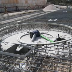 Infraestruturas para Industria: Escritórios e Espaços de trabalho  por Vistaxterior,Industrial Betão armado