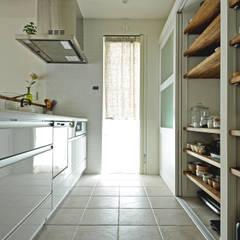 ห้องครัว โดย タイコーアーキテクト, สแกนดิเนเวียน