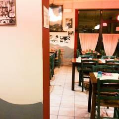 Tavoli e sedie.: Gastronomia in stile  di Luca Alitini