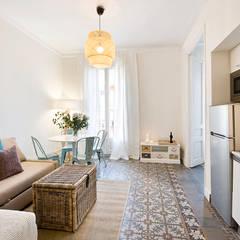 Mediterranean style dining room by Nice home barcelona Mediterranean