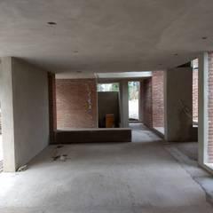 Casa en Serralta : Comedores de estilo  por 1.61 Arquitectos