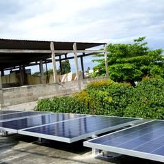 Sistema solar de interconexión a CFE en Tuxtepec: Techos de estilo  por Vumen mx