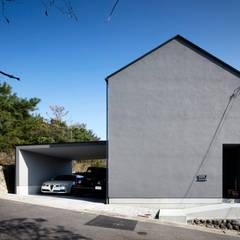 青山の家: 川添純一郎建築設計事務所が手掛けた一戸建て住宅です。,