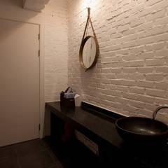 파우더룸 - 전주인테리어 상가주택 인테리어 30평 인테리어 - 위크앤드 -: 디자인투플라이의  욕실