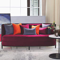 Dramatic Bold spaces:  Living room by Papersky Studio