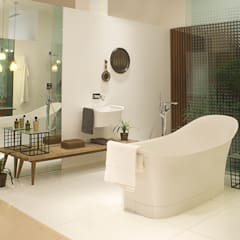 Tropical Spaces:  Bathroom by Papersky Studio
