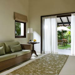 Tropical Spaces: tropical Bedroom by Papersky Studio