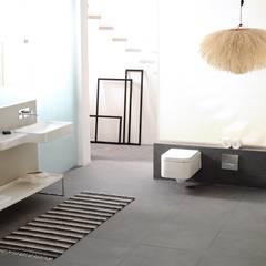 Mix of Bathrooms : industrial Bathroom by Papersky Studio