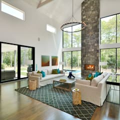 Dunhill Reserve - The Modern Barn:  Living room by Plum Builders