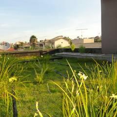 Casa Cubo: Telhados planos  por Costa Lima Arquitetura Design e Construções Ltda