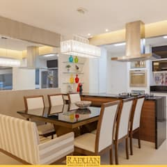 Apartamento 100 m² - Vila Mariana: Salas de jantar  por Raduan Arquitetura e Interiores